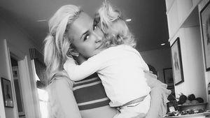 Glückliche Mama: Hayden Panettiere zeigt ihr großes Mädchen