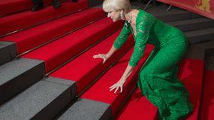 Hoppla! Diese Robe zwingt Helen Mirren in die Knie