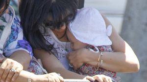 Baby-Time: Hilaria Baldwin kuschelt mit Carmen