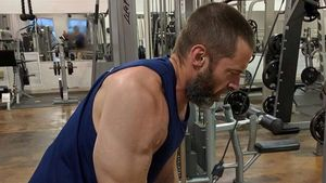 Hugh Jackman im Fitness-Studio
