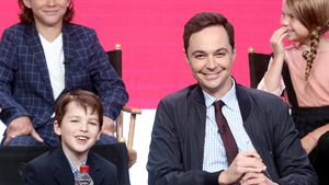 2 Sheldons: Jim Parsons stellt seine Mini-Version vor!