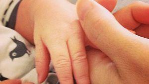 Erstes Foto! Jamie-Lynn Sigler zeigt Baby-Händchen