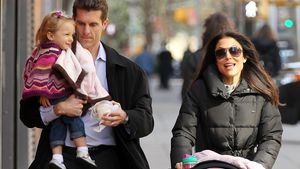 Jason Hoppy und Bethenny Frankel mit Tochter Bryn in New York 2012