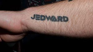 """Hier zeigt Stephen Jedward Rooney seine """"Jed-Toos"""""""