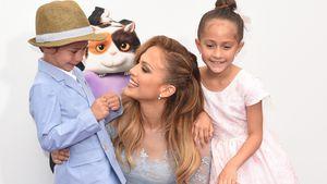 Jennifer Lopez und ihre Kinder bei einer Filmpremiere