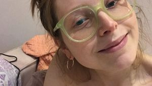 """""""Harry Potter""""-Star Jessie Cave postet Still-Pic nach Geburt"""