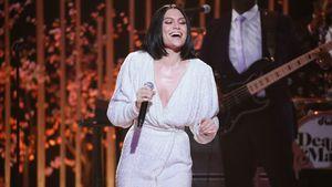 """Markenzeichen? Jessie J ist """"Overall-süchtig"""""""