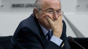 Hammer! FIFA-Präsident Sepp Blatter tritt zurück!