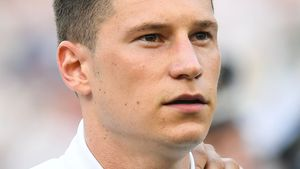 Die Frisur muss sitzen: WM-Kicker Julian Draxler ist eitel!