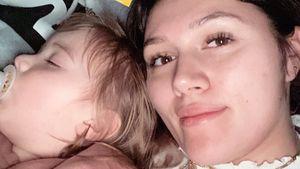 """""""Kuschelstunde"""": Anna Maria teilt verschlafenes Family-Bild"""