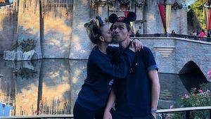 Alle Jahre wieder: Kaley & Karls filmreifer Disney-Kuss