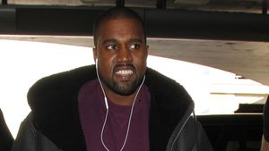 Kanye West am LAX-Flughafen in Los Angeles