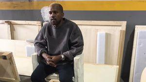 Kanye West mit blonden Haaren