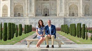 Kate und William vor dem Taj Mahal