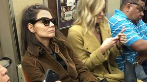 Inkognito: Hier fährt Katie Holmes bodenständig U-Bahn!