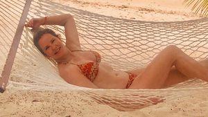 Weihnachtspfunde? Pff! Katja Burkard zeigt sexy Bikini-Body!