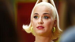 Hochschwangere Katy Perry zeigt ihre Kurven im Badeanzug!
