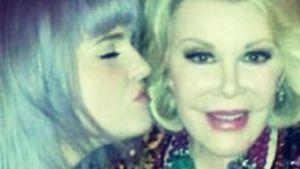 Wie eine 2. Mutter: Kelly Osbourne vermisst Joan