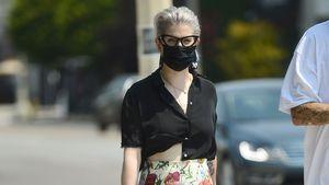Luftiges Blumenoutfit: Kelly Osbourne zeigt ihren neuen Body
