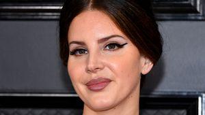 Lana Del Rey versetzt Ariana, Cardi und Co. einen Seitenhieb