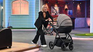 Noch ohne Babybauch: Lena Gercke schwanger & bauchfrei im TV