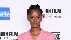 """Black Panther""-Star Letitia Wright teilt Impf-Verschwörung"