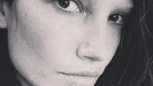 Im Grusel-Look: Lily Aldridge ohne Augenbrauen
