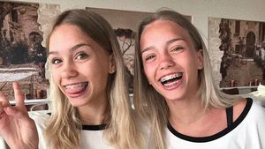 Lisa und Lena mit Pizza-Shirts