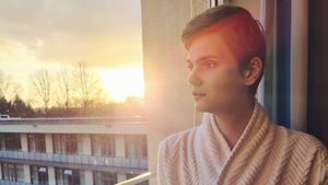 Klinik verlassen: GNTM-Lucy gibt Update nach Geschlechts-OP