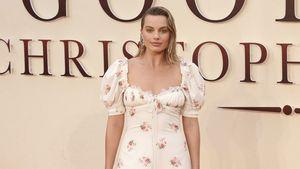 Nachthemdlook: Margot Robbie als züchtige Oma auf Red Carpet