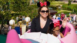 Als Minnie Maus: Mariah Carey fliegt durchs Disneyland