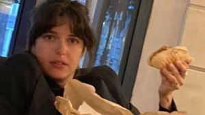 Mit Gyros: So entspannt zeigt sich schwangere Marie Nasemann