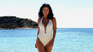 Heiße Pics! Mariella Ahrens posiert im mega-sexy Badeanzug