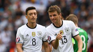"""Kapitän Manuel Neuer: Drama um Mesut Özil war """"anstrengend"""""""