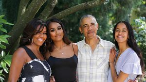 Grüße von den Obamas: Hier posieren Barack, Michelle und Co.
