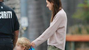 Seltene Bilder: Mila Kunis unterwegs mit Söhnchen Dimitri