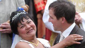 """Zehn Jahre! """"Bauer sucht Frau""""-Narumol feiert Hochzeitstag"""