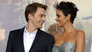 "Olivier Martinez und Halle Berry bei der Premiere Of Warner Bros. Pictures' ""Cloud Atlas"""