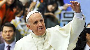 Papst Franziskus bei der Messe zu Mariä Himmelfahrt im Daejeon World Cup Stadium 2014