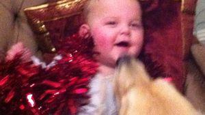 Peaches Geldof: Hund knutscht Weihnachts-Baby