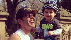 Putzig! Perez Hiltons Sohn lernt gerade das Laufen
