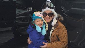 Pink und ihre Tochter im Schnee