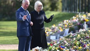 Tränen: Charles und Camilla sichten Würdigungen Philips