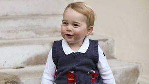 Wie ein großer Bruder: Prinz George chillt im Pub