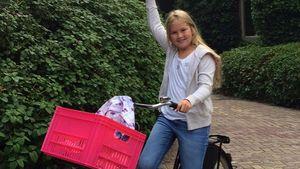 Prinzessin Amalia ganz normal: Mit dem Fahrrad zur Schule
