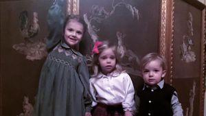 Süße Mini-Royals: Estelle, Leonore & Nicolas im Xmas-Fieber!