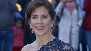 Mit Spitze: Prinzessin Mary verzaubert in One-Shoulder-Kleid