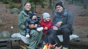Stockbrot & Natur: Estelle & Oscar senden süße Xmas-Grüße!