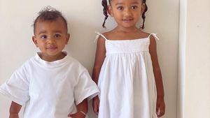 Ganz in weiß: Psalm und Chicago posieren schon wie Mama Kim