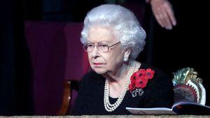 Kurz vor Lockdown: Queen besuchte Westminster Abbey alleine!
